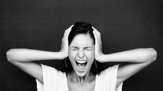 Angry-and-frustrated-woman-screaming